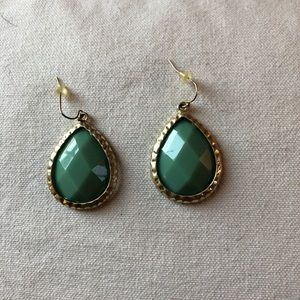 Boutique Mint Green and Gold Earrings NWOT